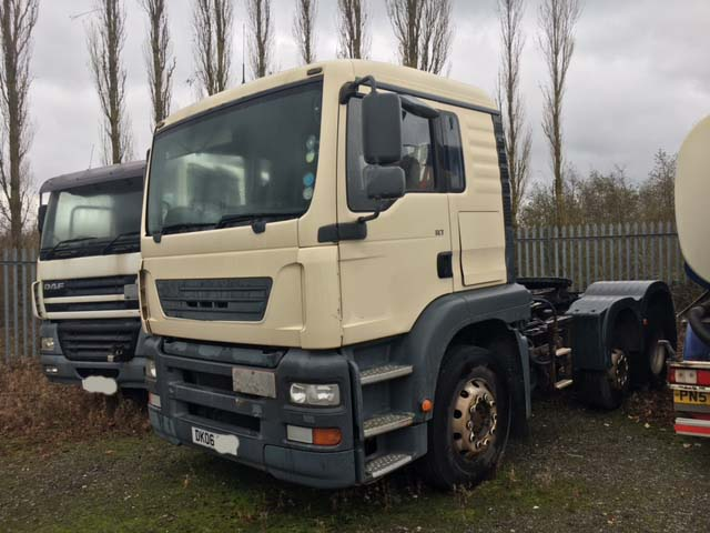 404c217c78 Lot 89999  2006 ERF ECT 6X2 2 TRACTOR UNIT Number of watchers  1